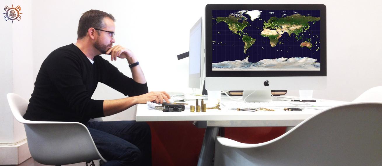 Дизайн и отрисовка настенных географических карт